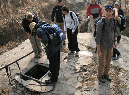 Water well, Beijing Hikers Ancient Horse Hoofprints hike, 2009-11-07