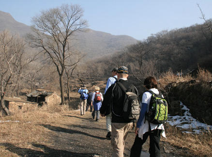 Abandoned village, Beijing Hikers Ancient Horse Hoofprints hike, 2009-11-07