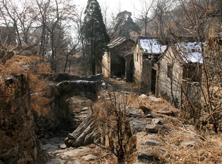 Abandoned houses, Beijing Hikers Ingot Village and Tanzhe Temple hike, 2009-11-29
