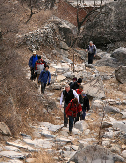 Climbing, Beijing Hikers Big Black Mountain to the Walled Village hike, 2009-12-12