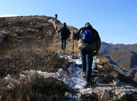 Walking on Great Wall, Beijing Hikers Switchback Great Wall Middle Route hike, 2009-12-16