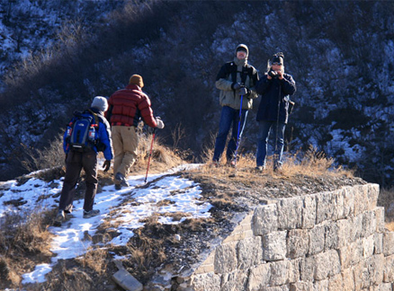 Hikers on the Great Wall, Beijing Hikers Switchback Great Wall Middle Route hike, 2009-12-16