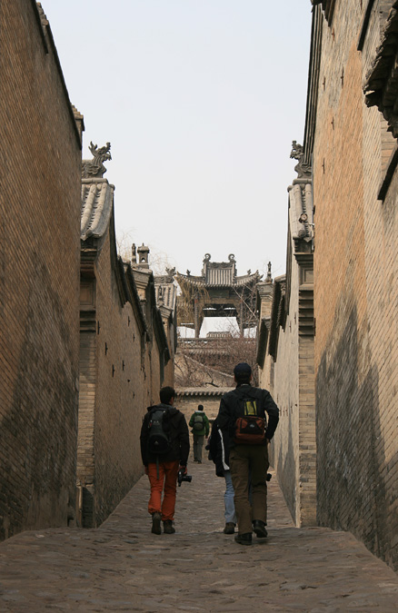 Alley and gate, Beijing Hikers Ancient Walled City of Pingyao trip, 2010/03/19-21