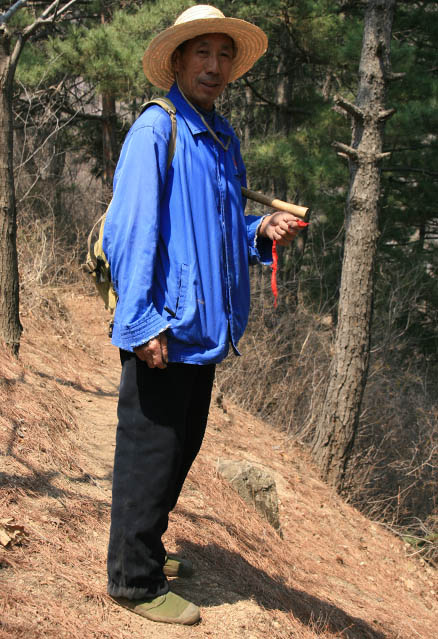 Mr. Mao, Beijing Hikers Chestnut Orchard hike, 2010-04-24