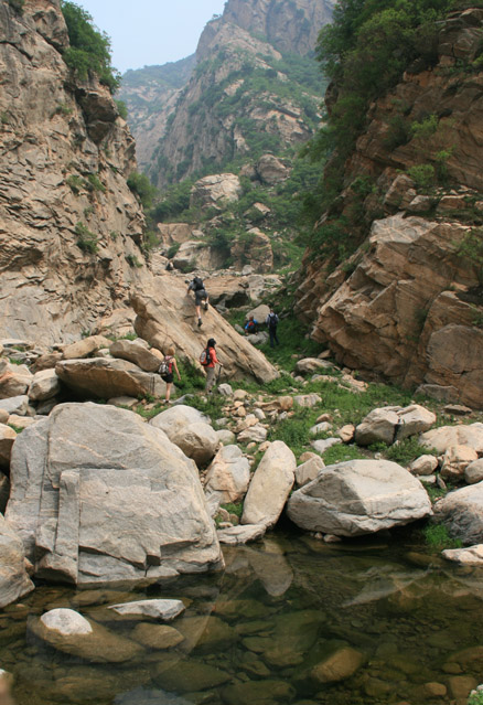 Rocks in the canyon, Beijing Hikers Great Flood hike, 2010-06-06