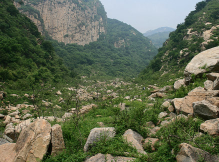 Valley with rocks, Beijing Hikers Great Flood hike, 2010-06-06