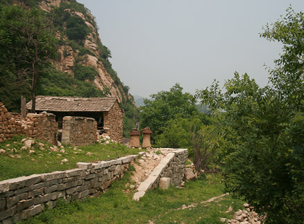 Stone houses, Beijing Hikers Great Flood hike, 2010-06-06