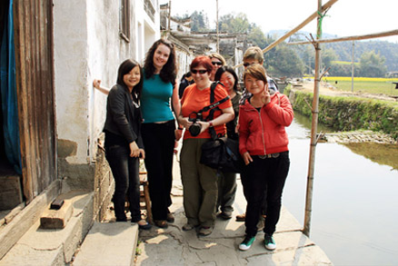 Posing for a photo, Beijing Hikers Wuyuan trip, April 1–3, 2011