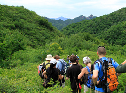 The group descends into a lush valley, Beijing Hikers Longway to pray for rain, June26, 2011