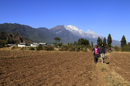 Hiking in the countryside, Beijing Hikers Lijiang and Shangri-La,November, 2011
