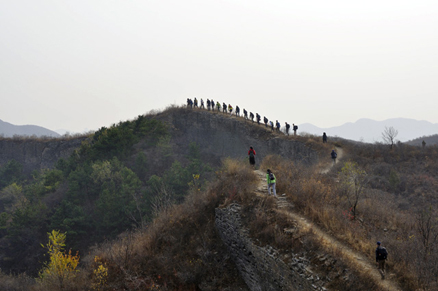 a ridge top, Beijing Hikers Gubeikou GreatWall Loop Midweek, November02, 2011