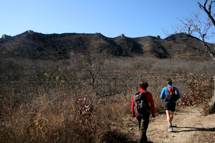 a mostly flat trail, Beijing Hikers Zhuangdaokou to the Walled Village, November13, 2011