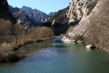 The White River, Beijing Hikers Longyunshan, November19, 2011