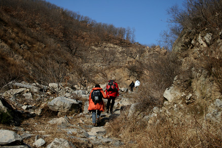 heading for the Great Wall, Beijing Hikers BigBlackMountain, November20, 2011