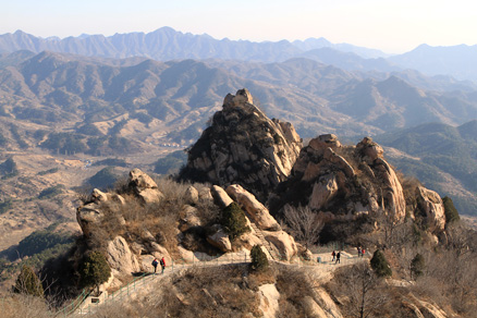 rocky crags, Beijing Hikers Gubeikou GreatWall Loop Midweek, November02, 2011