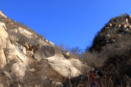large rocks, Beijing Hikers Gubeikou GreatWall Loop Midweek, November02, 2011