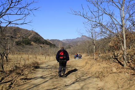 country roads, Beijing Hikers Gubeikou GreatWall Loop Midweek, November02, 2011