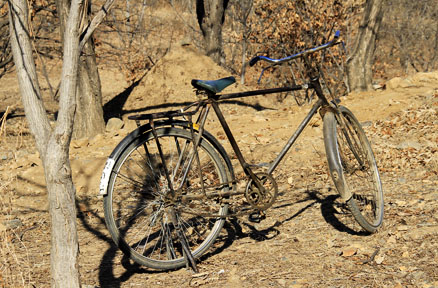 An old bike, Beijing Hikers Gubeikou GreatWall Loop Midweek, November02, 2011