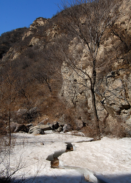 the snow and ice, Beijing Hikers Chang Yucheng 'Long valley city',March31,2012