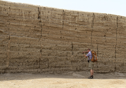 the layers of the rammed earth, Beijing Hikers Zhangye, May, 2012