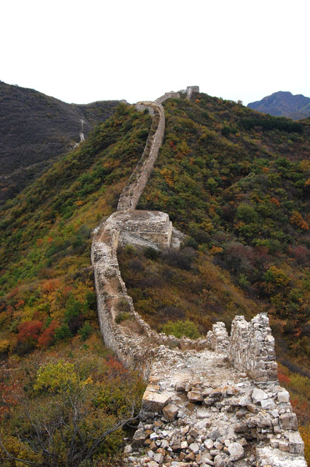 The wall here is old, Beijing Hikers Zhenbiancheng Great Wall, October04,2012