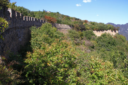 a trail on the wall, Beijing Hikers Great wall spur, October05, 2012