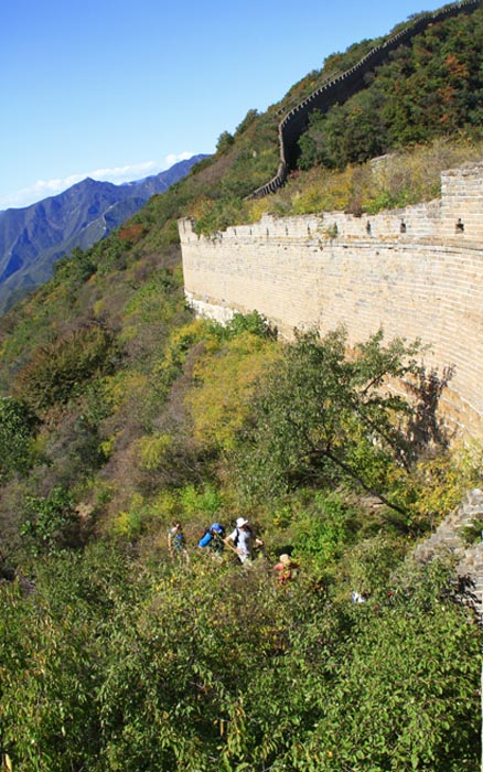 climbed up on to the wall, Beijing Hikers Great wall spur, October05, 2012