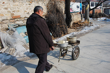 An elderly local, Beijing Hikers Zhuangdaokou Great Wall and Hot spring, Dec26, 2012