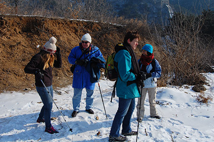 sunshine, Beijing Hikers Zhuangdaokou Great Wall and Hot spring, Dec26, 2012