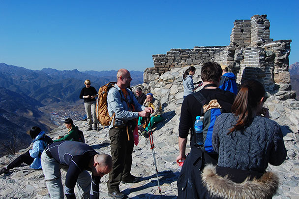 a well deserved break, Beijing Hikers Huanghuacheng to the Walled Village, 2013/02/23