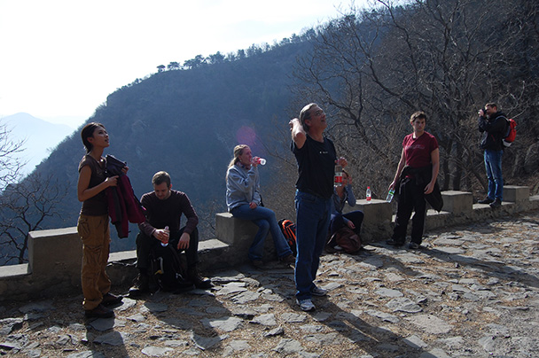 a good place to take a break, Beijing Hikers Vulture Rock Park to Miaofeng Mountain, 2013/03/03