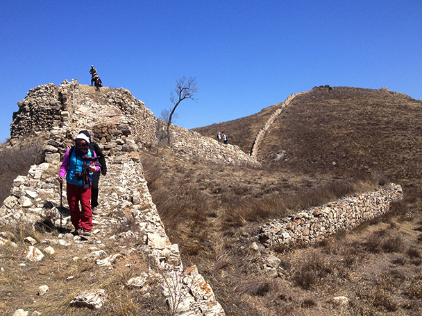 We kept following the wall,Beijing Hikers Big Camp Plate Great Wall, 2012/04/11