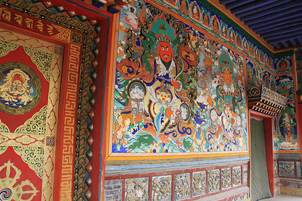 Very colorful Tibetan style fresco, Beijing Hikers Desert Trip , 2013/04/28