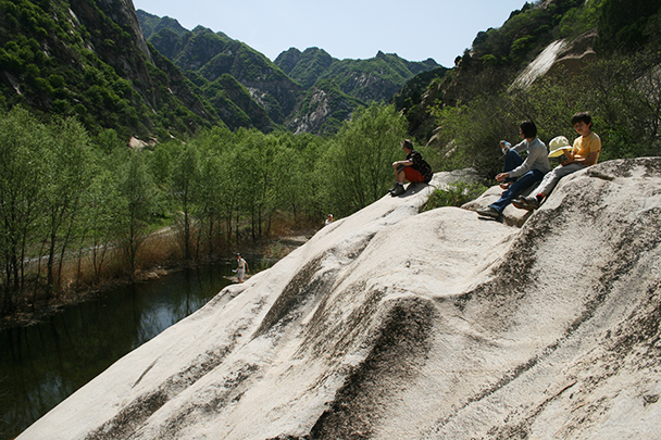 Further up the river, Beijing Hikers Dragon Cloud Mountain, 2013/05/12