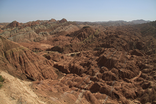 The Danxia Landform covers a large area, Badain Jaran Desert and Zhangye Danxia Landform, 2013/09