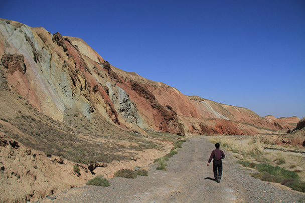 Walking through a secret valley, Badain Jaran Desert and Zhangye Danxia Landform, 2013/09