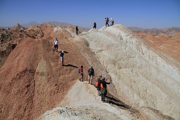 We climbed up on to a ridge to take some photos, Badain Jaran Desert and Zhangye Danxia Landform, 2013/09