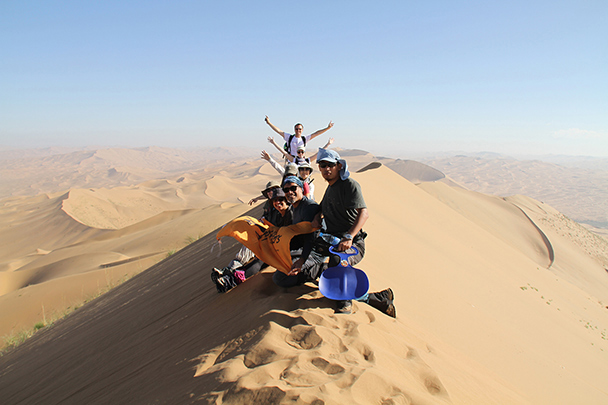 Everybody up on the top, Badain Jaran Desert and Zhangye Danxia Landform, 2013/09