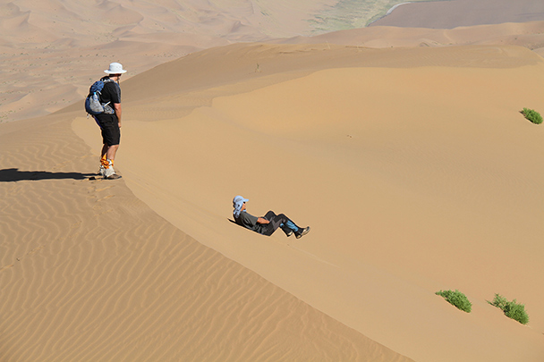 Difficult to climb up, easier to get back down, Badain Jaran Desert and Zhangye Danxia Landform, 2013/09