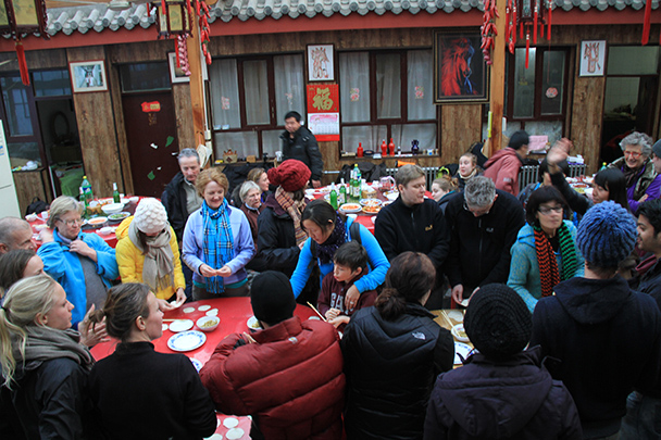 The hikers are ready to begin the competition, Gubeikou Great Wall loop hike, 2013/12/21