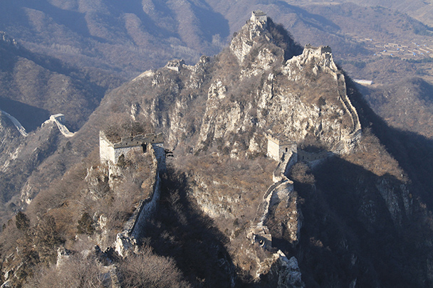 Great Wall towers on tall cliffs - Jiankou to Mutianyu Great Wall, 2014/01/12