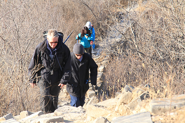 Hiking through a wild section of Great Wall - Jiankou to Mutianyu Great Wall, 2014/01/12