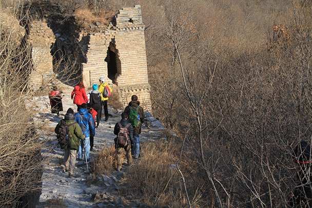Here we made a choice about climbing up a really steep section or taking a shortcut through a forest - Jiankou to Mutianyu Great Wall, 2014/01/12
