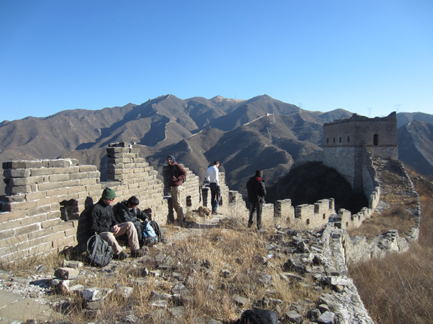 We stopped to take a break after the long, steep hike up to the Great Wall.- Stone Valley Great Wall, 2014/01/12