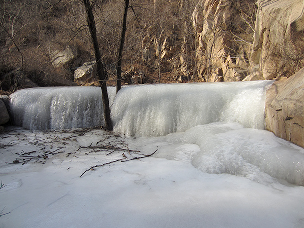 One of the frozen cascades - Longquanyu Hike, 2014/01/27