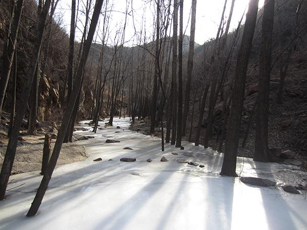 A frozen stream - Longquanyu Hike, 2014/01/27
