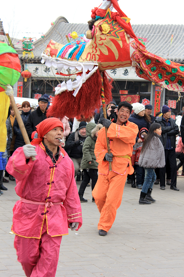A street show in Nuanquan Town, Yu County Ancient Towns and Fortresses overnight, 2014/02
