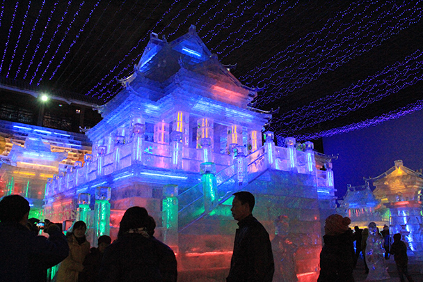 Another view of the ice temple - Tang Dynasty Caves and Longqingxia Ice Festival, 2014/02/08