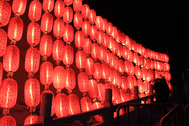 Red lanterns - Tang Dynasty Caves and Longqingxia Ice Festival, 2014/02/08