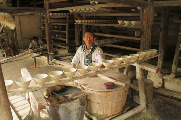 Glazed and ready for the kiln - Wuyuan County, Jiangxi Province, 2014/03